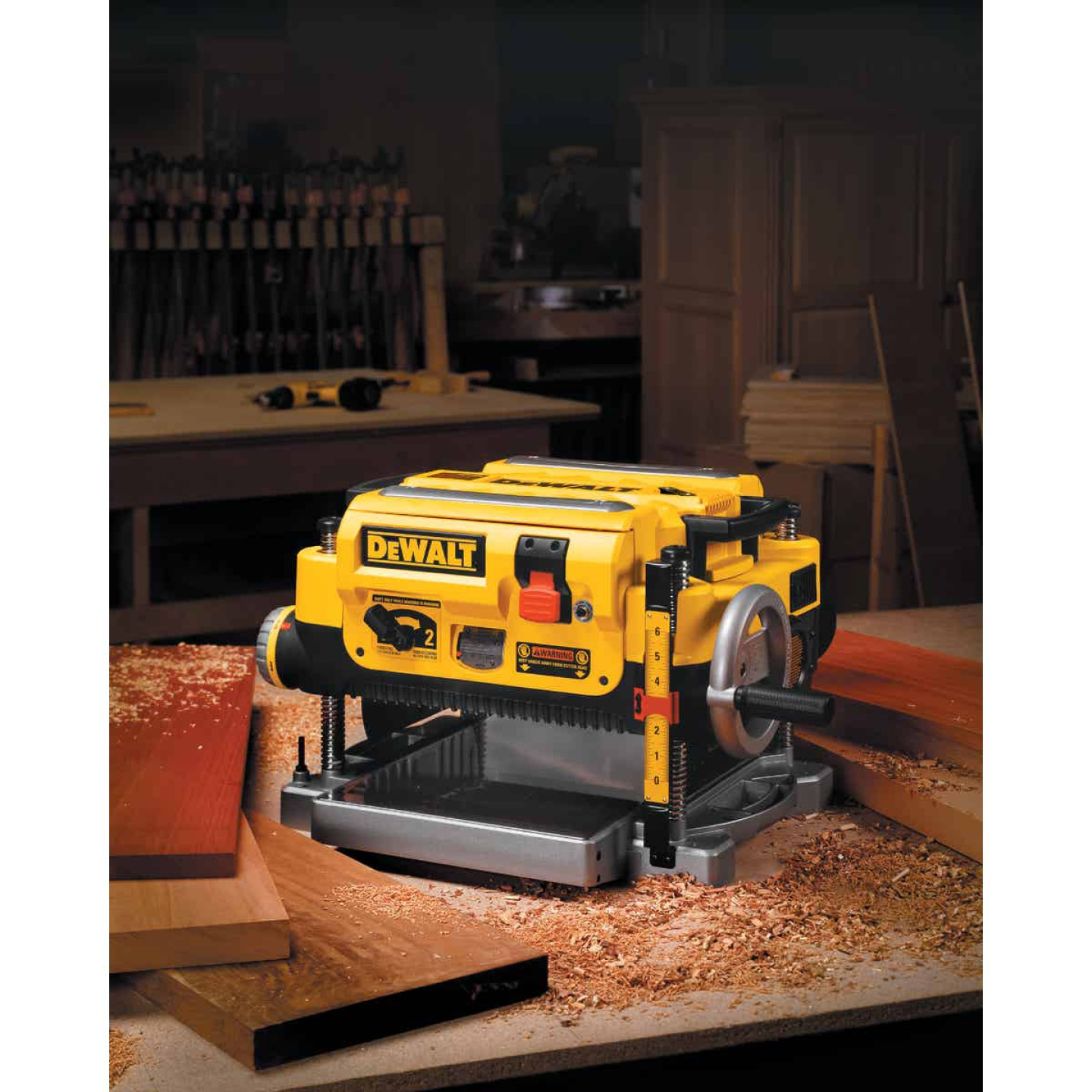DeWalt 13 In. Three Knife Two-Speed Portable Planer Image 5